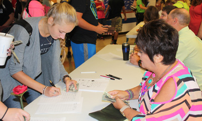 Club Fair attracts new members to FHS clubs